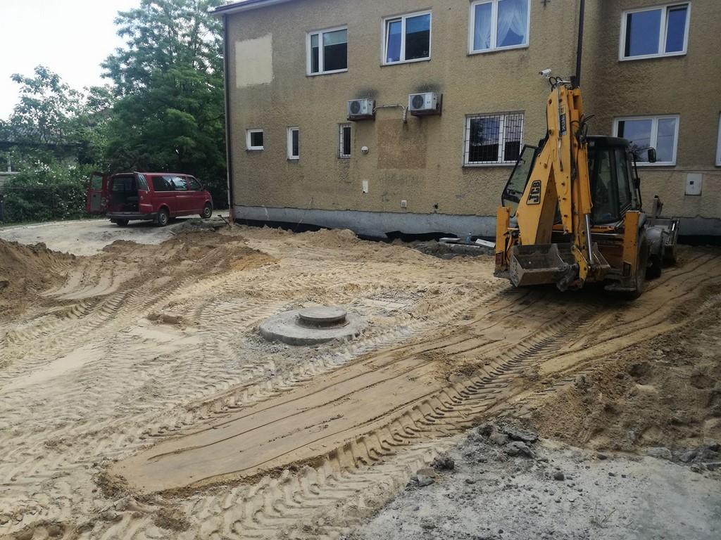 Remont parkingu przy Urzędzie